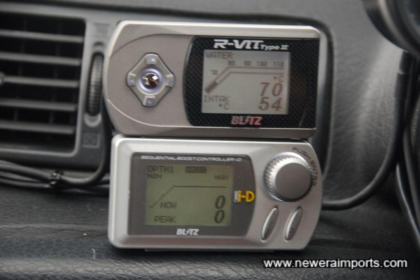 Blitz R-Vit display and I-D dual solenoid boost controller.