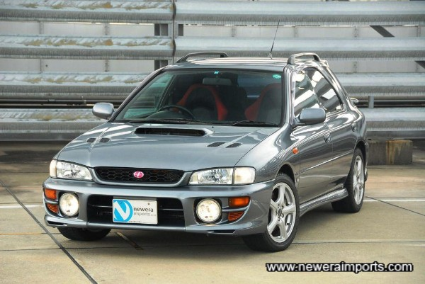 Sti Version 5 has facelift styled front bumper.