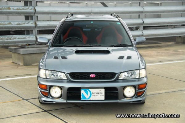 Sti Version 5 has crystal style headlights & fresher dsign of front bumper as standard.