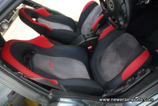Driver's seat is unworn - in keeping with genuine mileage.