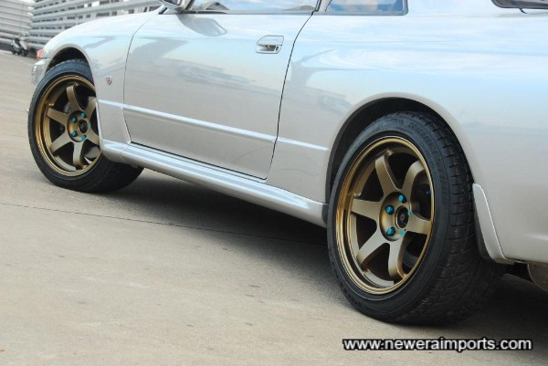 TE37's - some of the most desirable wheels of all for a GT-R.