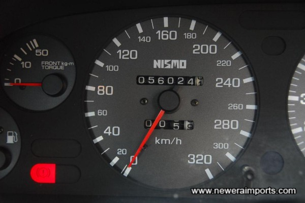 Nismo 320km/h speedometer fitted since new.