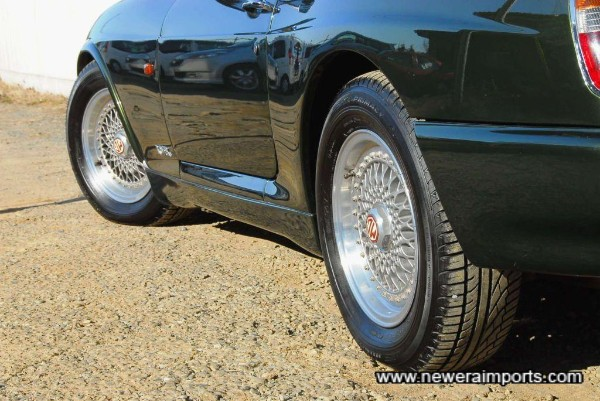 Wheels are in original condition with no kerb marks.