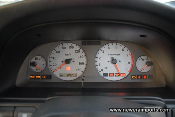 All warning lights are present & work correctly.