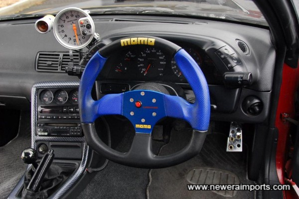 Momo D type steering wheel.