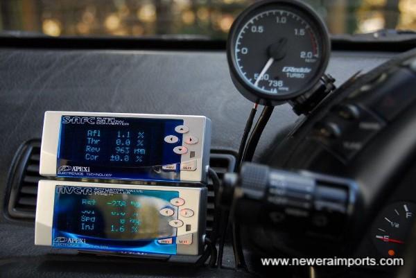 Apexi AVC-R boost controller & AFC II Fuel controller.