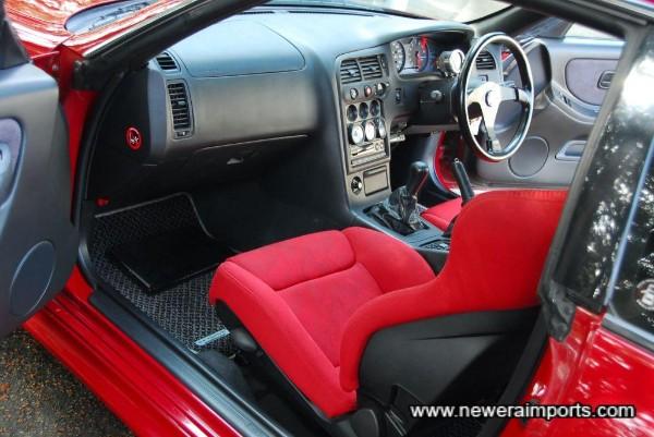 Recaro Raptor matching front seats (Reclinable)