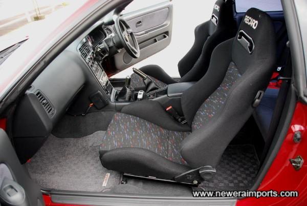 Twin Recaro matching SPG III seats.