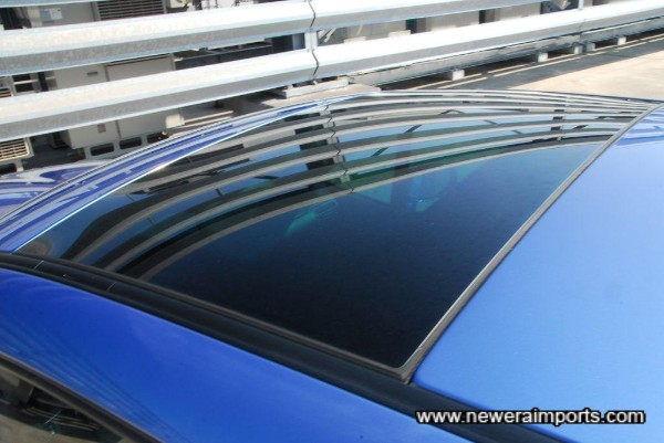 Glass moon roof.