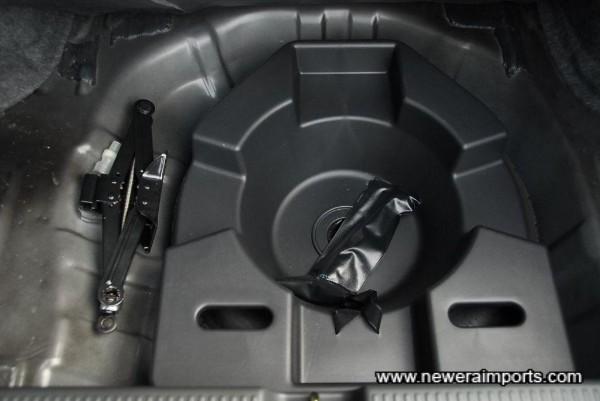 Original spare & tool kis are unused.