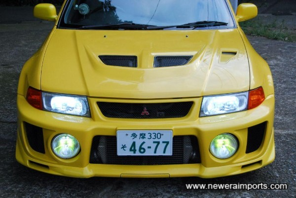 HID conversion has been carried out on the headlights.
