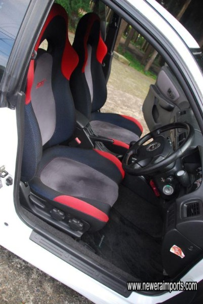 Driver's seat is in excellent unmarked condition - in keeping with low genuine mileage.