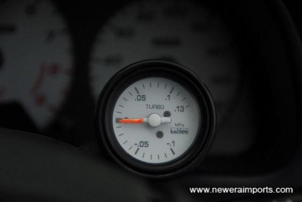 Original option boost gauge.