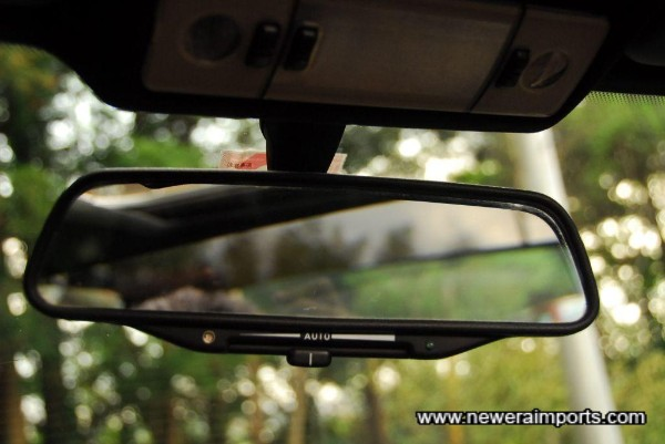 Auto dimming rear view mirror - as standard 20 years ago!
