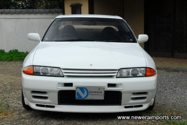 Nismo front bumper and bonnet lip with Raybig (HID) headlight conversion.