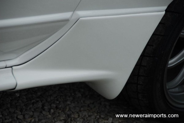 Nismo style side spats.