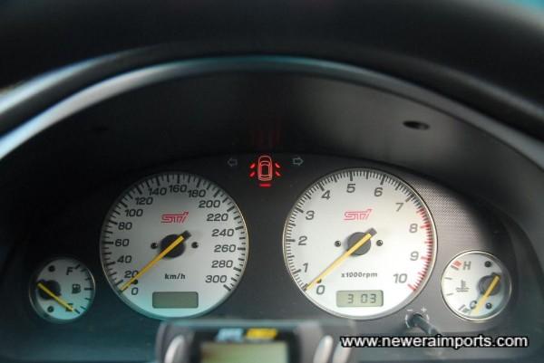 Full STi (Original option) gauge set.