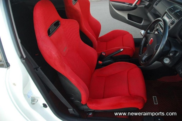 Driver's seat is in excellent condition - in keeping with low genuine mileage.