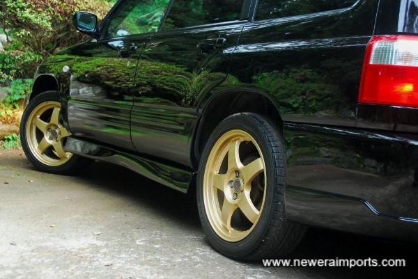 Original option STi alloy wheels (Incl. centre caps from STi)