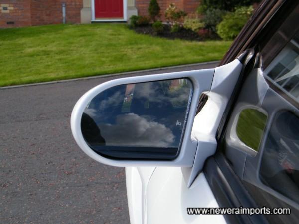 Ganador remote controlled door mirrors.