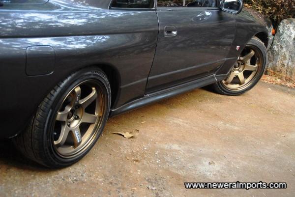 Volk Racing TE37 17'' wheels - very desirable!