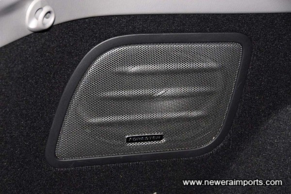 Original option factory fitted sub woofer & uprated speakers are fitted.