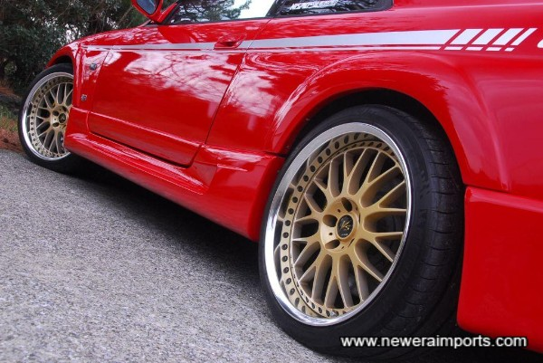 Work V's 19'' wheels set this car off beautifully.