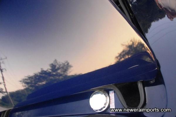 Leven polished aluminium fuel filler cap.