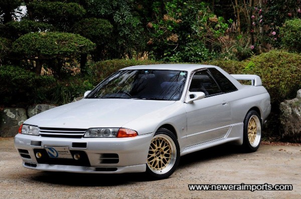 Stunning condition throughout. One of the last Skyline R32 GT-R's built.