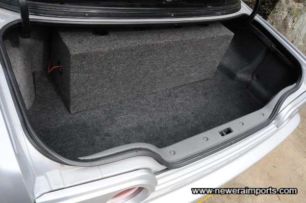 Sub woofer (removable box) is fitted in the boot. Note that audio is untested and free of charge.