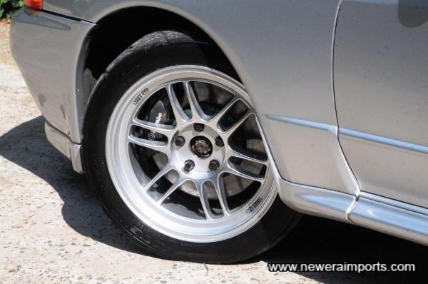 Enkei RPF1 wheels set this R32 GT-R Skyline off beautifully!