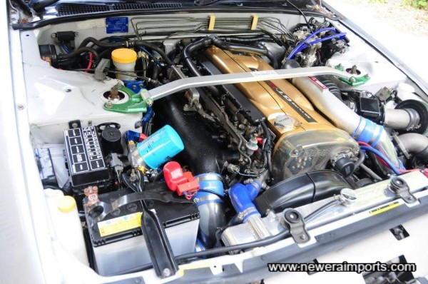 Stunning engine bay - note complete lack of corrosion too!