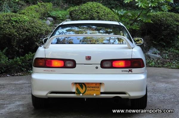 '98 spec rear bumper denotes model.