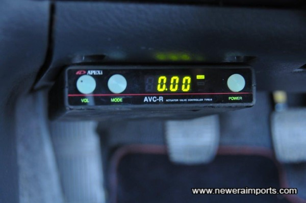 Apexi AVC-R boost controller is neatly mounted.