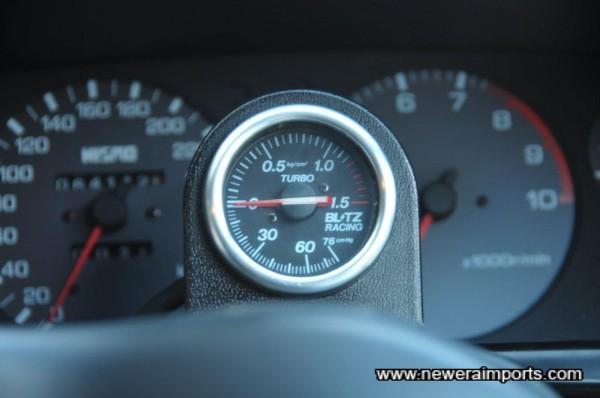 Blitz boost gauge is neatly mounted.