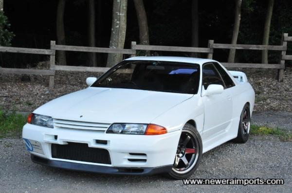 A lot of cosmetic & mechanical modification has gone into this GT-R.