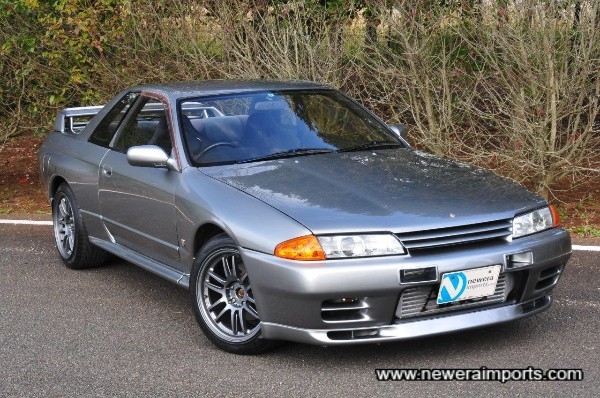 RAYS Gram Lights 57 Ultimate wheels suit this Skyline GT-R very well.