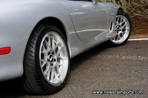 18'' Genuine BBS RG-R forged alloy wheels are 1 inch wider at the rear than the front.