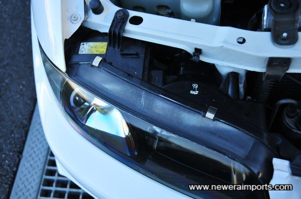 Original factory fitted Xenon HID headlight set.