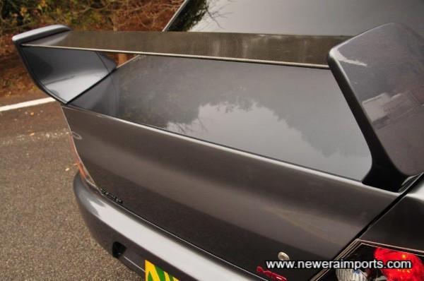 Original carbon blade on rear spoiler (MR feature)