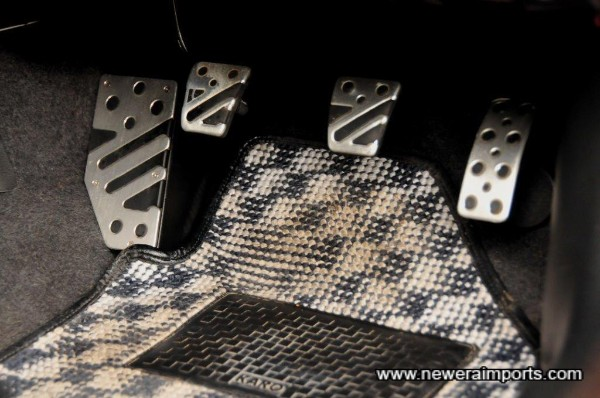 Original option pedal cover set.