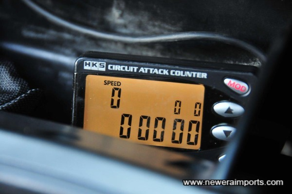 HKS Circuit attack lap counter is fitted (Works on any circuit worldwide).